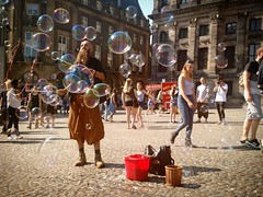 bubbles on Dam Square