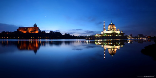 city travel blue light vacation sky panorama cloud lake reflection art water silhouette architecture night sunrise landscape island photography mirror lowlight nikon cityscape slow jetty wave tokina1224 mosque malaysia slowshutter photomerge nightshots bluehour kualalumpur putrajaya dri minimalist scapes cpl waterflow longexposures sifoocom d7000 putrajayalakeclub hdcpl azrudin