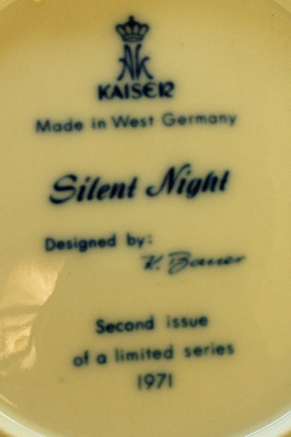 DSC01518 1971 Silent Night Collector Plate