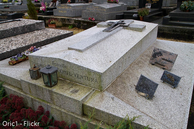 Tombe de Lino Ventura