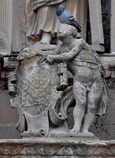 Úbeda (Jaén). Capilla del Salvador. Fachada. Escudo de Mendoza