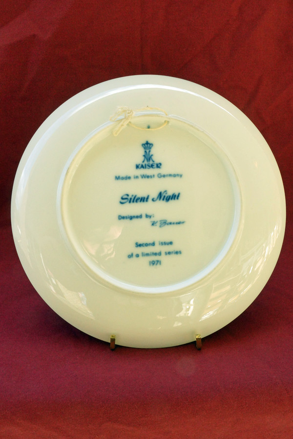 DSC01517 1971 Silent Night Collector Plate