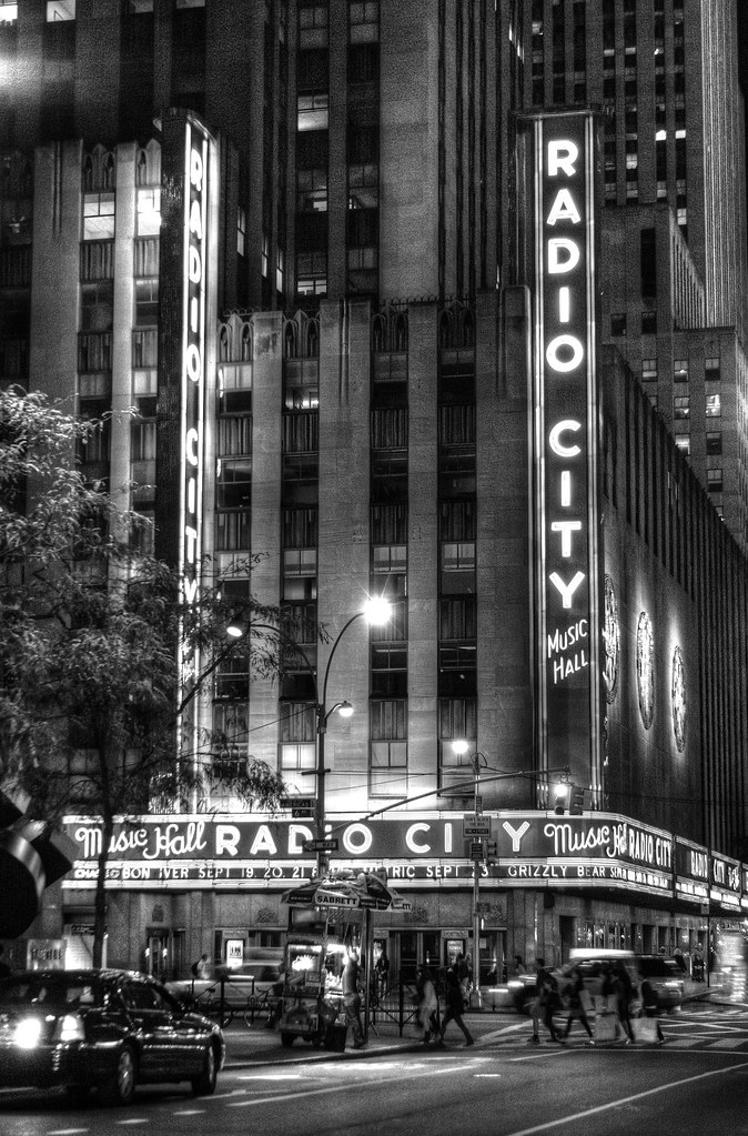 Old Time Radio | Late night view of New York's famed Radio C