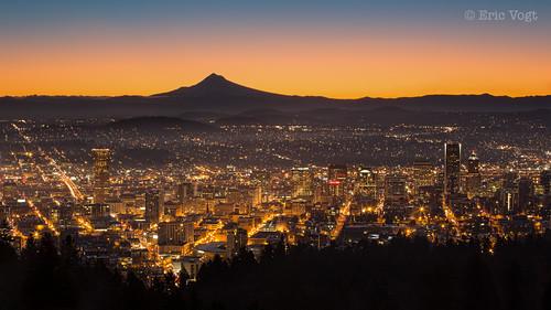 city mountain oregon sunrise portland town hood pdx mounthood goldenhour pittockmansion