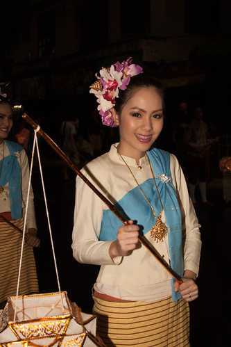 2012-11-27 Thailand Day 09 The annual Loy Krathong Festival and grand parade in Chiang Mai | by Qsimple, Memories For The Future Photography