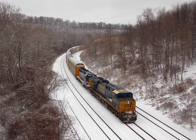CSX 5282 and 8404