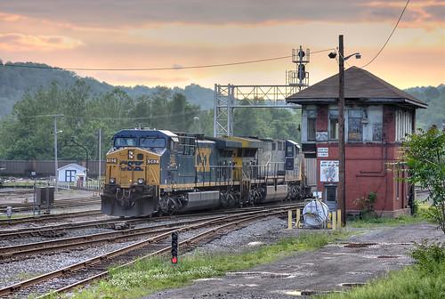 railroad sunset yard train diesel railway coal railfan grafton emd ac44cw