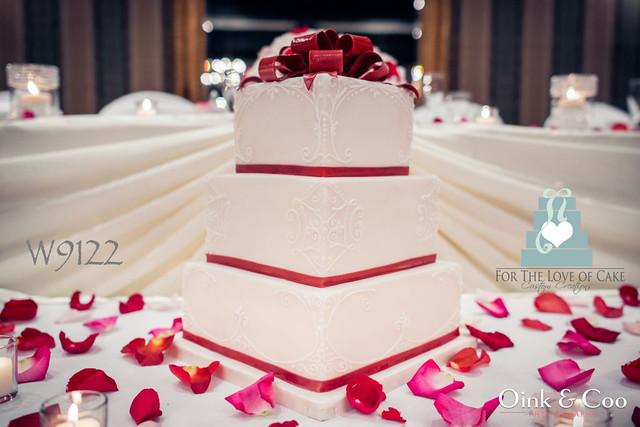 W9122 red white wedding cake toronto