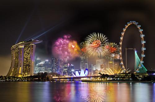 Singapore 2013 Countdown Firework | by Wang Guowen (gw.wang)