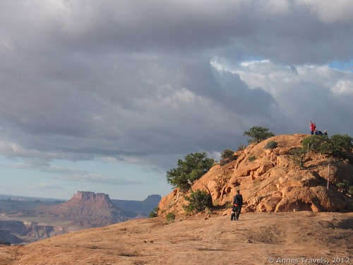 Hiking up Whale Rock, Canyonlands National Park, Utah, family-friendly hikes Canyonlands