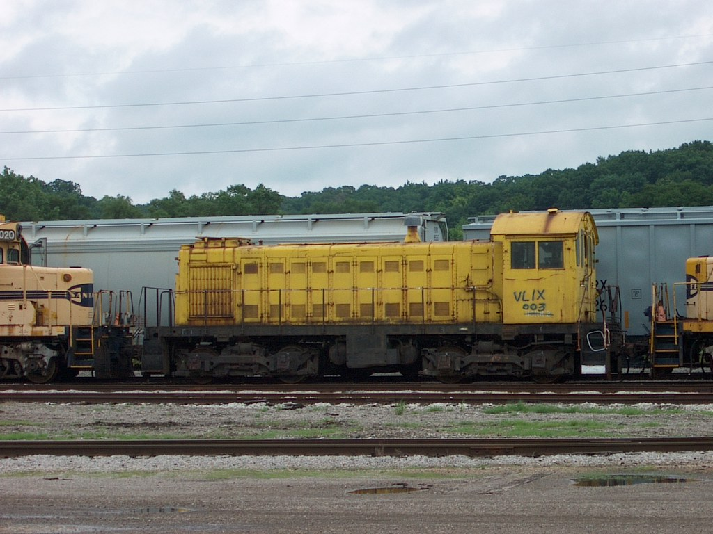 VLIX  003 TP&W Yard at East Peoria Illinois