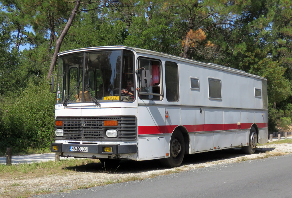 Renault/Saviem S53 Bus | Now camping/living accommodation. H… | Flickr