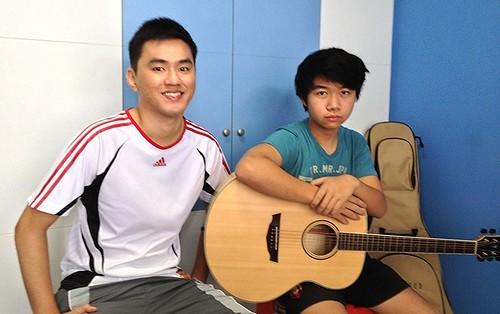 Private guitar lessons Singapore Sean