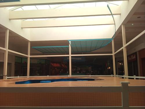 retail mall sears jcpenney belk deadmall labelscar gautierms nitek regionalmall enclosedmall singingrivermall