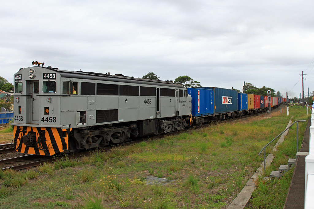 4458, 852 (front) T250 Canterbury by Thomas