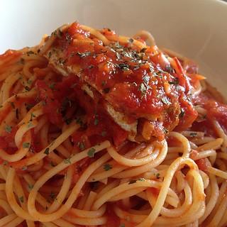Sardine olio di sardina, salsa di pasta di pomodoro   by klipsch_soundman