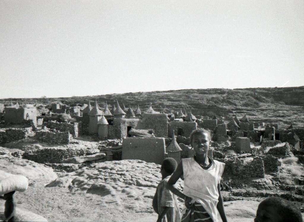Mali, jeune fille, Pays Dogon