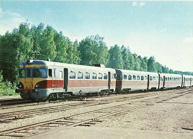 16064 departing Gonda Jn  with Chhapra Mathura Express | Flickr