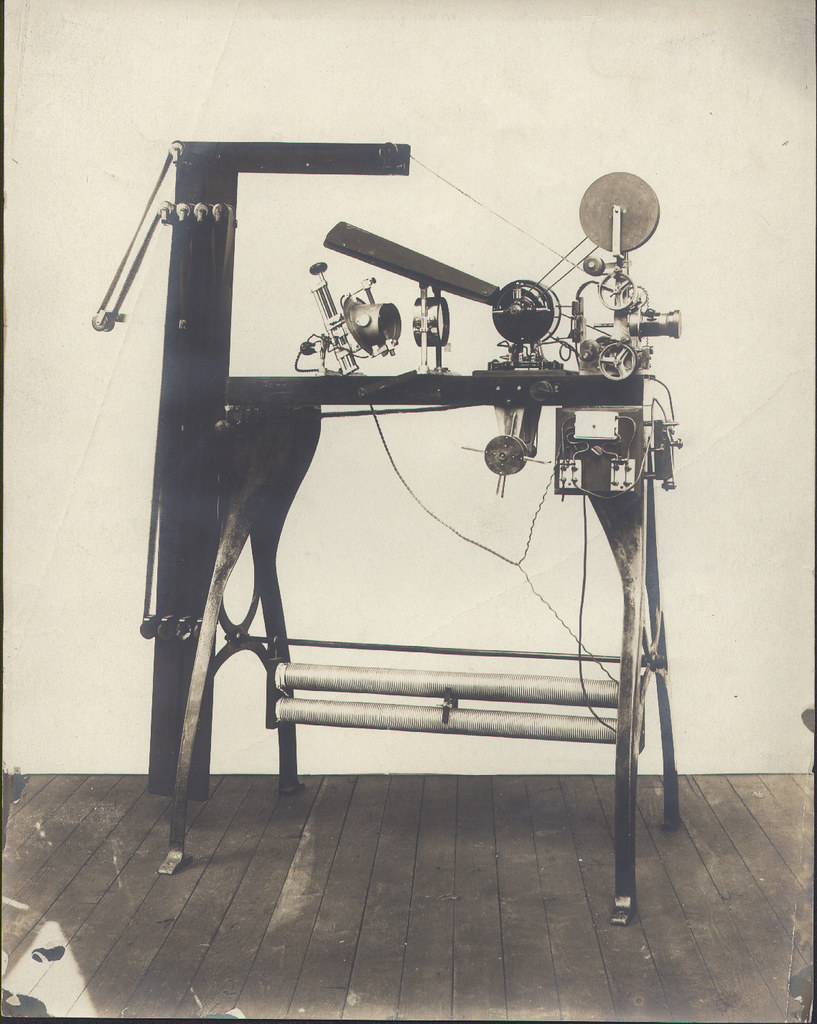 Photo Reprint 8x10: Edison Vitascope Projector | WANTED: Vin