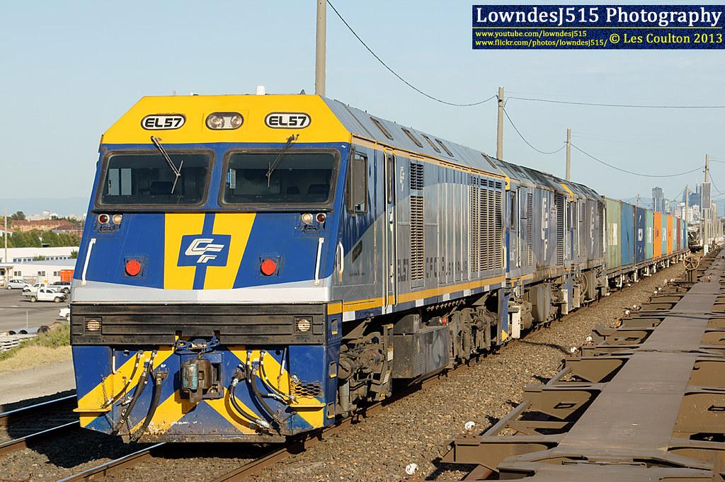 EL57, GL110 & GL101 at Tottenham by LowndesJ515