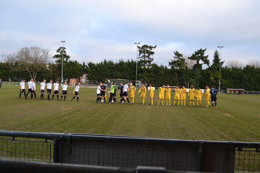 Hoddesdon Town FC 2-0 Amersham Town FC (5-1-13)