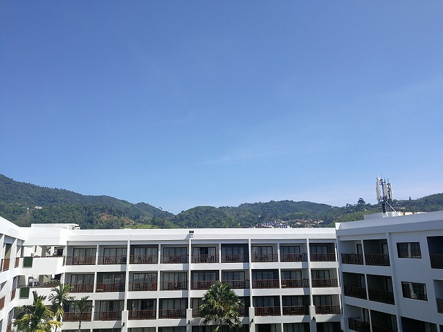 <p>j)6階からの風景</p>
