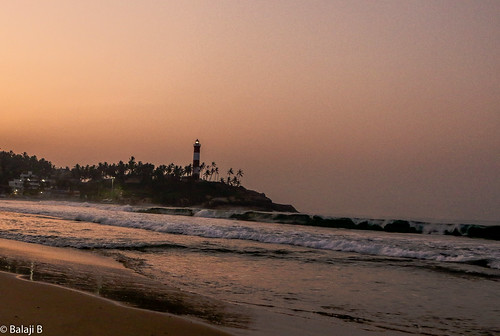 lighthouse kovalam kovalambeach dawn sunrise beach beachesofindia beachsand beachphoto sky skyshot skyline canon travel tours tourist india kerala