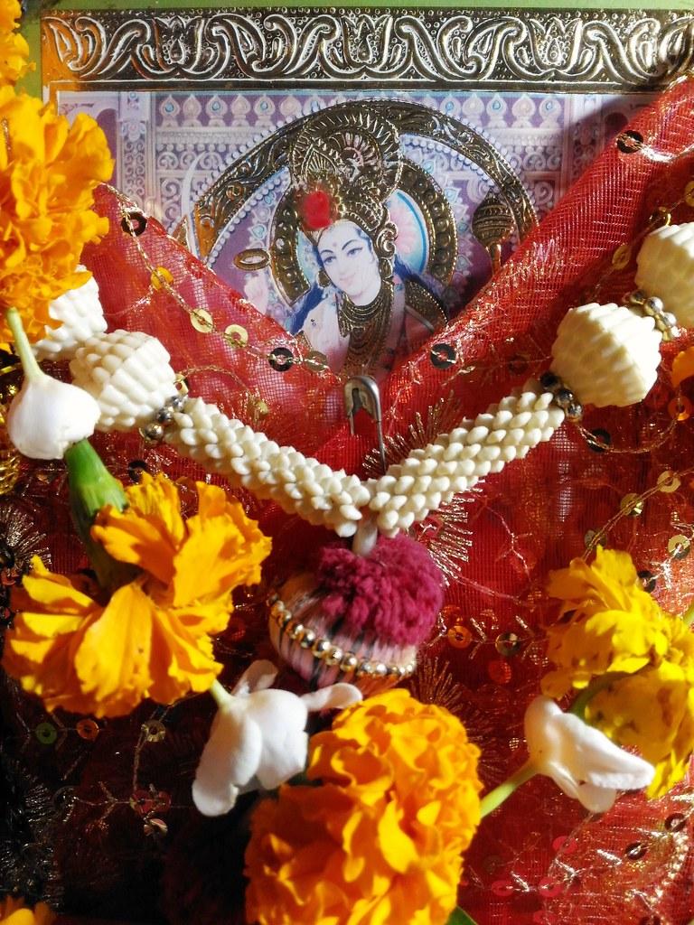 Happy Navratri To You All.. Jai Mata Di..🙏🙌 Mata Rani Bless Us All..🙇😇 #navratri #2018 . . . . #jaimatadi #jaimaa #maa #mom #mother #religion #religious #bhakti #puja #navratri2018 #happynavratri #navdurga #maadurga #ambemaa