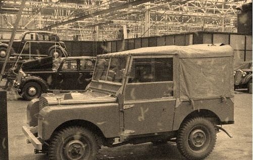 Land Rover Models : Possibly R01. Inside factory.