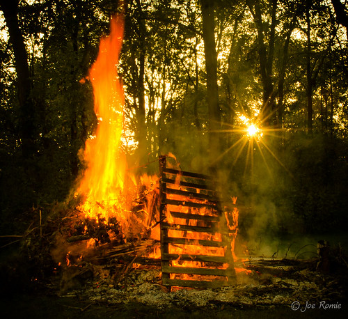 sunset trash fire living woods backyard dusk smoke country flame bonfire pile starburst