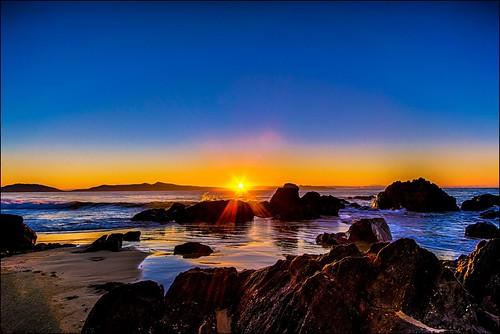 sea sky color reflection sunrise canon dawn coast sand rocks shore tasmania tasmanian canonefs1022mm canon60d