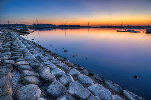 camera travel blue sunset orange lake water japan boats high nikon rocks december dynamic dusk stones newyear tokina chiba 日本 prefecture gaijin range 旅行 石 青 hdr manfrotto 水 夕焼け 船 kashiwa 写真 abiko 千葉 外人 teganuma ブログ 外国人 柏 十二月 ニコン 我孫子 手賀沼 1116mm d7000