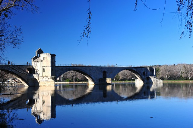 585 Avignon (Provence - France)