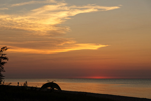 lakehuron people person greatlakes alconacounty harrisville harrisvillestatepark canopy 3237 august tent beach sunrise tree d500 nikon nikond500 michigan vacation 2016