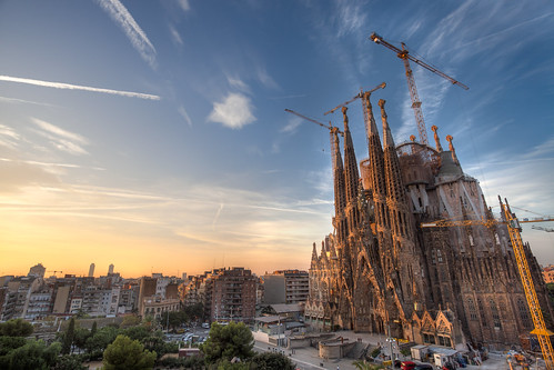barcelona city travel family blue church yellow familia architecture sunrise canon golden early spain construction europe cathedral crane spires basilica balcony gothic catalonia cranes holy spanish gaudi gaudí tall catalunya lasagradafamilia sagrada 1740 holyfamily lasagradafamília canon5dmkii canon5dmk2