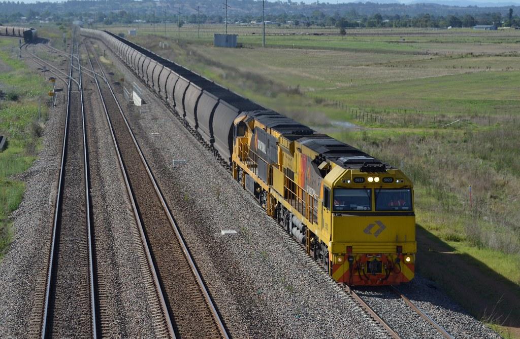 5023-5011 loaded Aurizon coalie @ Range Rd, Whittingham by LOCOPOWER