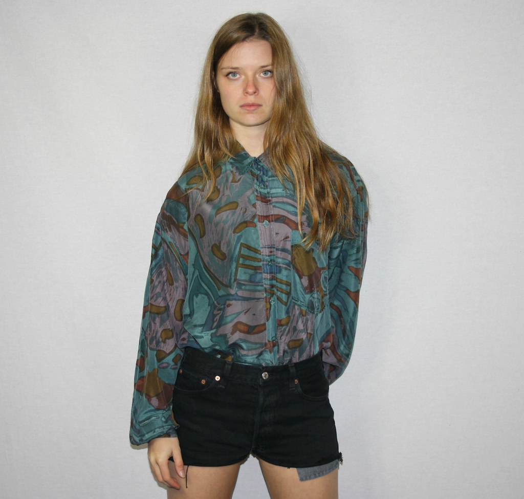 d8619c36f0d61a ... VINTAGE WOMENS GREEN BLUE PATTERNED PURE SILK SHIRT BLOUSE TOP LOOSE  80S 12