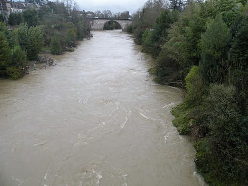 water rain train river gris eau wasser pluie zug ufer fluss regen crue rive tourbillon flut orthez gavedepau orthezjanvier2013