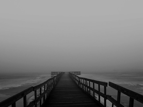 blackandwhite usa lake water fog fun dock midwest mood unitedstates michigan country atmosphere adventure rainy rails bleak february icy 248 2010 lakeorion 2013 greatlakesstate lakesixteen sonydsc650