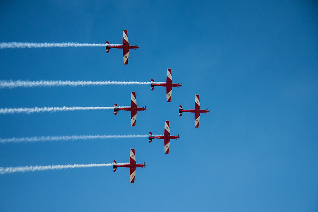 RAAF Roulettes at the F1 Melbourne Grand Prix 2013