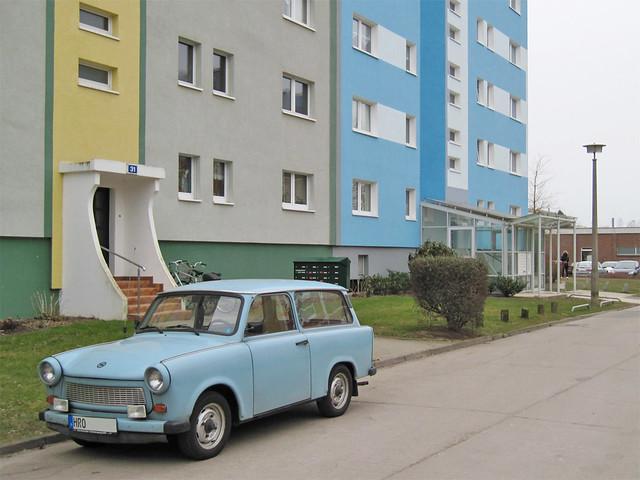 Rostock (Dierkow-Neu) - Blue Trabant