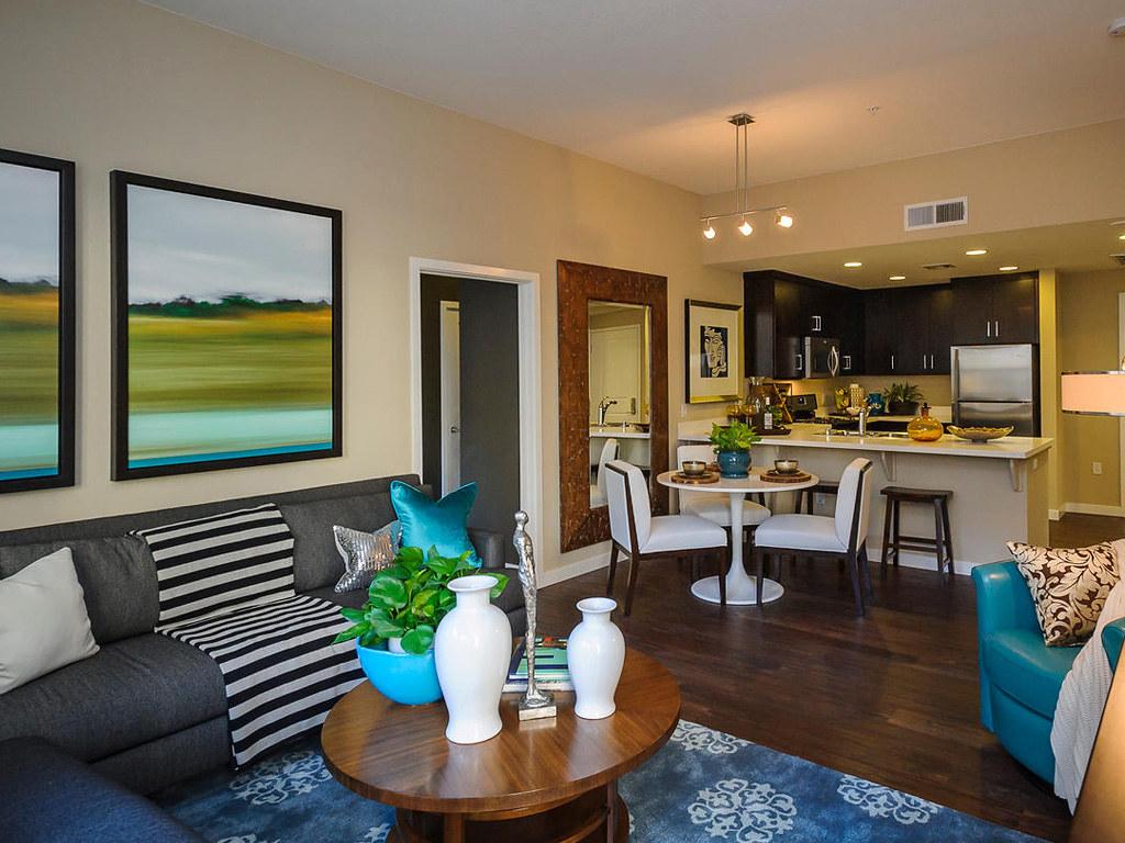 Farallon • Plan F: Great Room & Kitchen