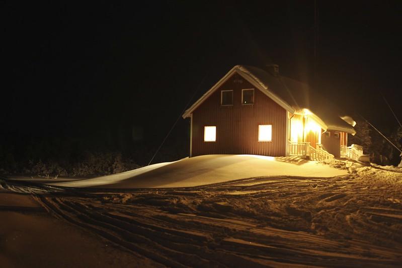 Ravnastua at night