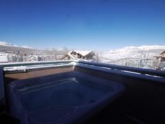 日, 2013-02-24 09:41 - 宿の屋上の露天風呂より