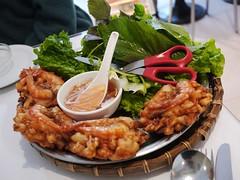 金, 2013-02-01 13:49 - Crevettes frites sur nid de patate / Fried shrimp on sweet potatoes