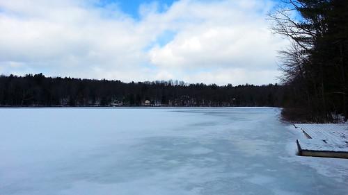 schnee winter frozen spring pennsylvania nieve pa neve neige boathouse 雪 wintercamp śnieg waynecounty babybeach ثلج barkleylake сніг हिमपात waynecountypa campstbasil barkleylakepa campsaintbasil