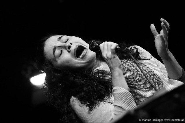 Ana Paula da Silva: vocals, guitar, percussion