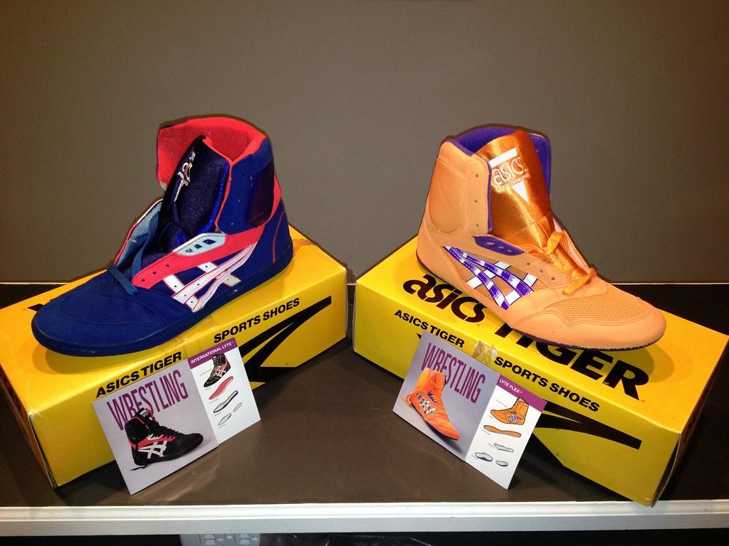 Old School Asics Wrestling Shoes Storlek 10.5 Båda BNIB Båda  Size 10.5 Both BNIB Both