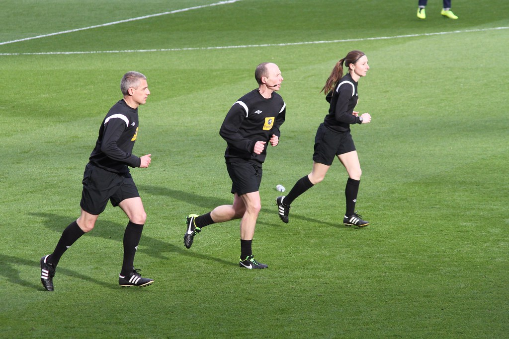 Referees warm up | Ronnie Macdonald | Flickr