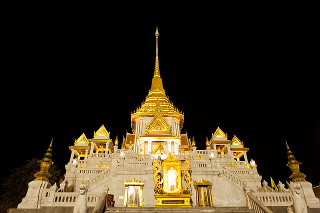 the temple of Wat Traimit, Bangkok (district of Samphanthawong, in Chinatown), Thailand.